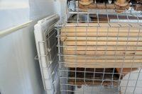 チンチラケージのレイアウト 寒さ対策バージョン 壁面に遠赤外線マイカヒーターⅡを設置した様子 エキゾチックアニマル 小動物