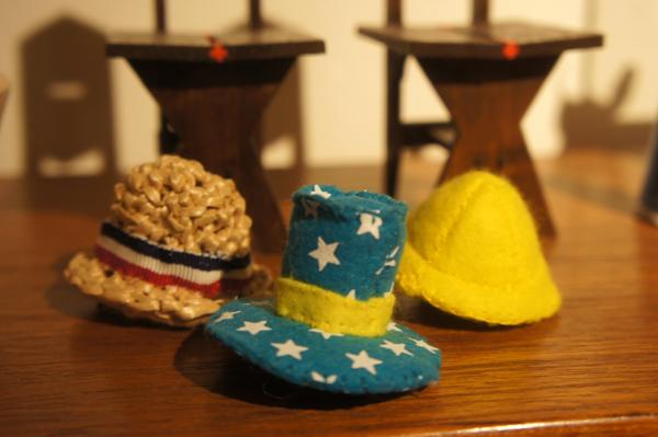 チンチラのティモのおしゃれ道具 ミニチュア帽子 モルモット用のお帽子作家 めめさん